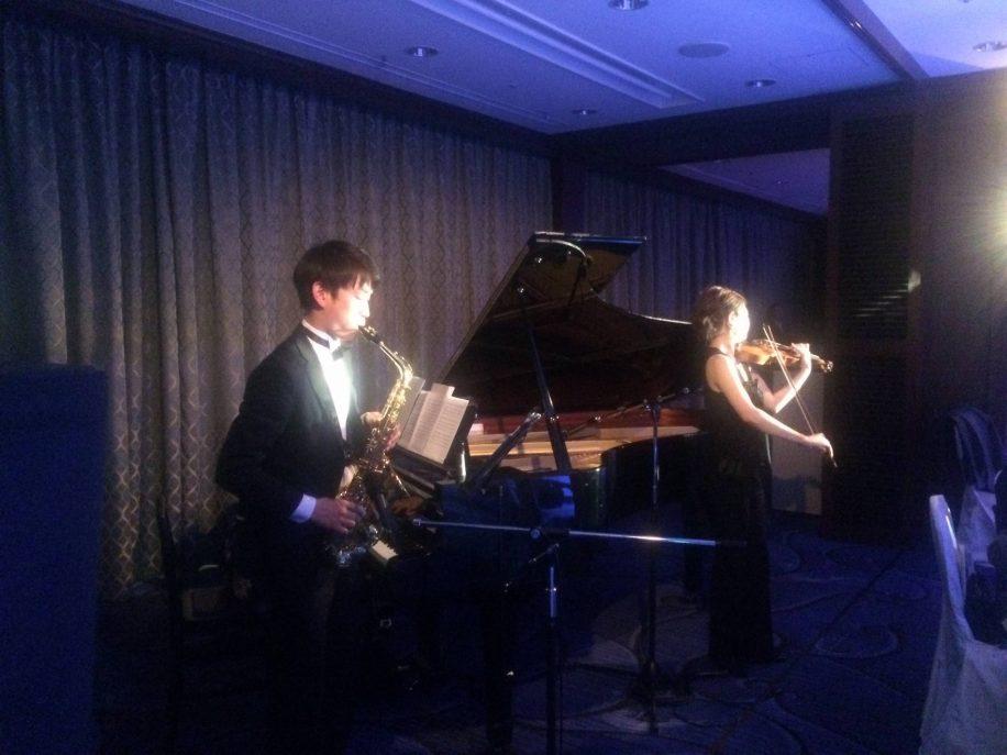 ブライダルフェアで演奏を披露。ジャズで披露宴のパーティがぐっと大人っぽい雰囲気に。