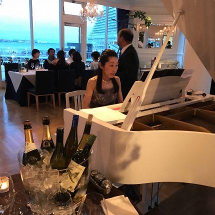 レストランでのピアノBGM